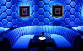 400x228_blue_sofa_1.thumb