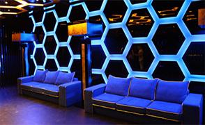 400x228_blue_sofa_2.thumb